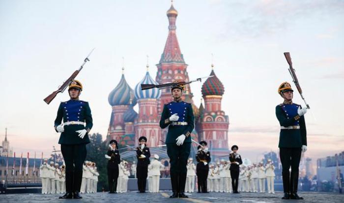 Открытие военно-музыкального фестиваля «Спасская башня» в Москве, 30 августа 2014.