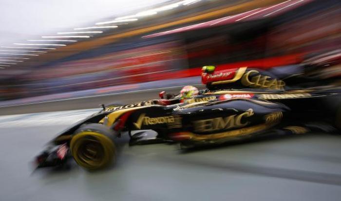 Тренировочная сессия сингапурского этапа Формулы-1.