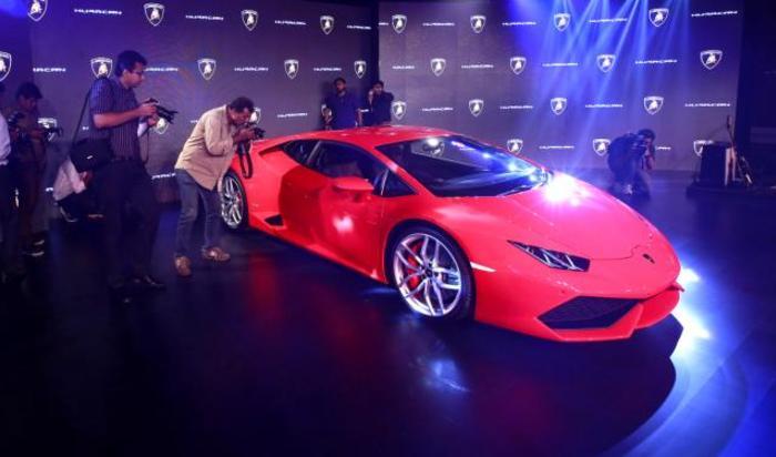 Презентация Lamborghini Huracan LP 610-4 в Мумбаи, Индия 22 сентября 2014.