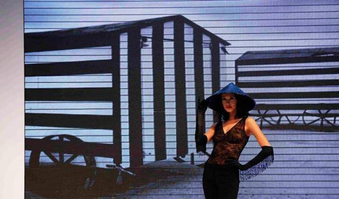 Модный показ нижнего белья Shanghai Mode Lingerie в Шанхае, Китай 20 октября 2014.