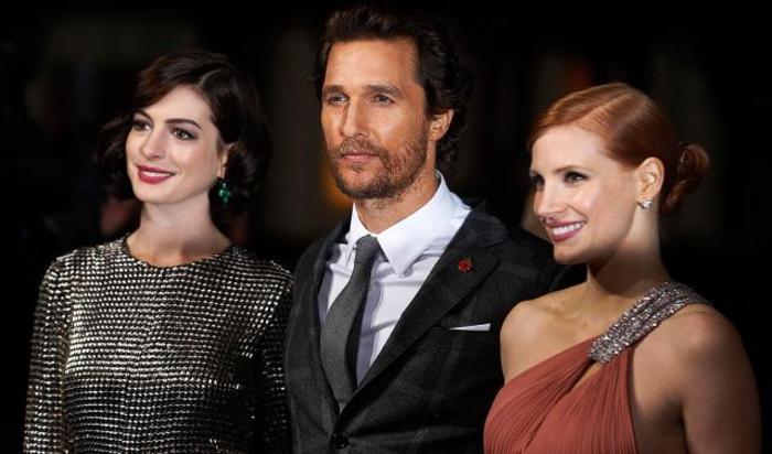Актеры Энн Хэтэуэй, Мэттью МакКонахи и Джессика Честейн на премьере фильма «Интерстеллар» в Лондоне, 29 октября 2014.