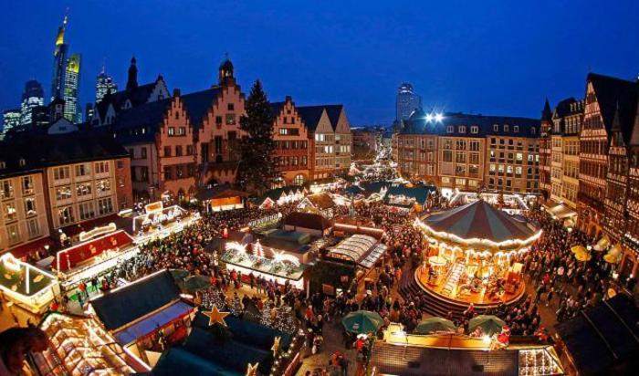 Рождественская ярмарка во Франкфурте, Германия.
