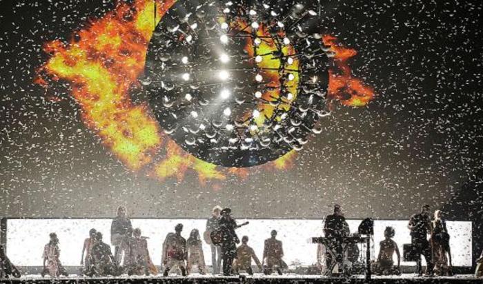 Группа Take That выступает на церемонии вручения премии BRIT music awards в Лондоне, Великобритания, 25 февраля 2015.