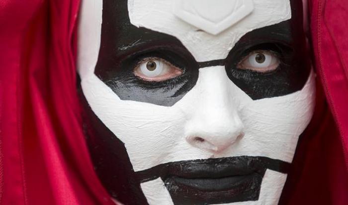 Участник фестиваля Comic Con в Лондоне, Великобритания.