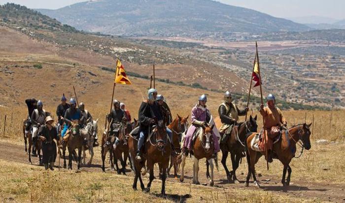 Участники реконструкции битвы при Хаттине, произошедшей 4 июля 1187 года, в Галилее, Израиль, 4 июля 2015.
