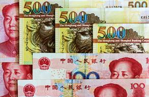 Хранить сбережения в долларах в России становится рискованно