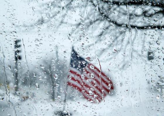 Северо-восток США накрыла снежная буря