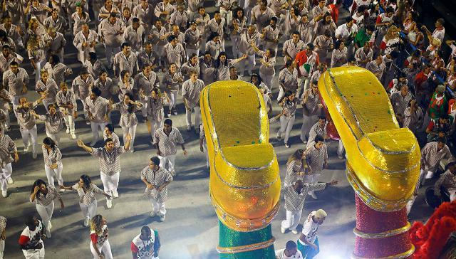 Зажигательный карнавал в Рио