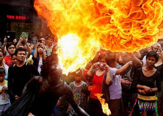 Китайцы всего мира встречают Новый год