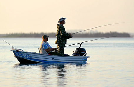 http://m1-n.bfm.ru/news/maindocumentphoto/2014/08/12/fishing.jpg