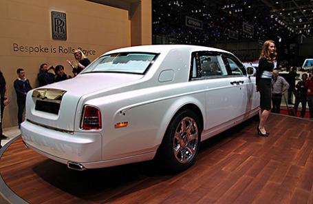 Rolls-Royce Phantom Serenity — китайский шелк для японских императоров