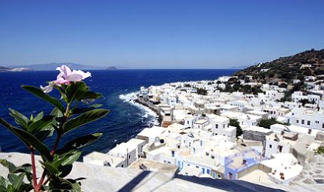 http://m1-n.bfm.ru/news/maindocumentphoto/2015/07/20/grecius.png
