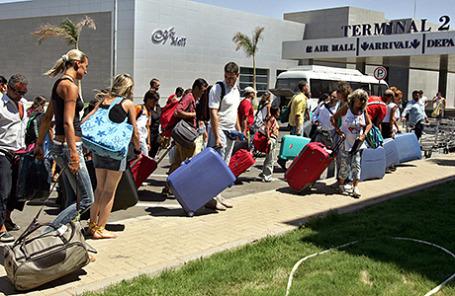Российские туристы в аэропорту Шарм-эль-Шейха Египет