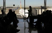 СМИ узнали о беременности подруги пилота Airbus A320
