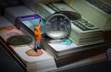 Куда двинется рубль после выходных и стоит ли запасаться валютой
