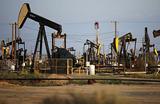 Нефти предсказывают скорую стабилизацию на уровне не выше $75 за баррель