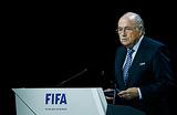 Конгресс FIFA начался с угрозы взрыва и акции палестинок