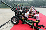 Путина в Китае примут с танками и вертолетами