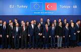 Турция поможет ЕС с мигрантами за €3 млрд